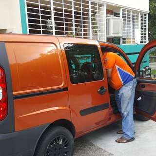 Delivery van driver cheapest 98442315