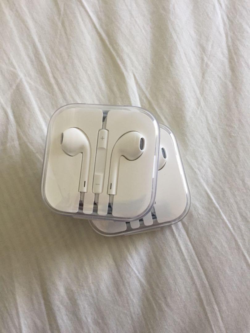 1x Apple earpods