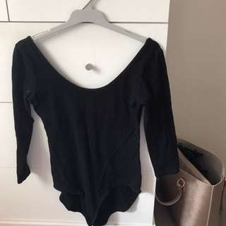 Scoop long sleeve body suit