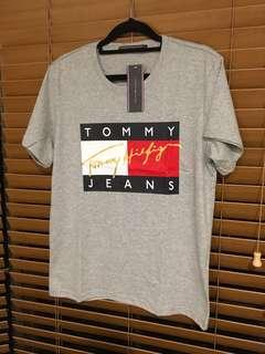 TOMMY HILFIGER 90's TShirt