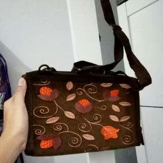 sling bag brown flower