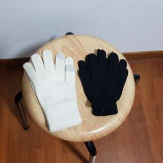 Hand gloves by Uniqlo