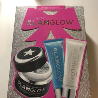 GlamGlow set