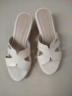 Fladeo wedges putih