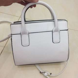 Stradivarius white bag ori