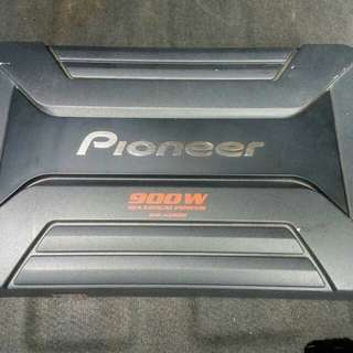 Pioneer Amplifier 900 watts