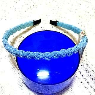 🚚 👛加價購👛凡在本小店購物,不限金額即可用一元加購喔!藍色珠珠髮圈