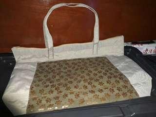 Weekender Bag with Paw print design