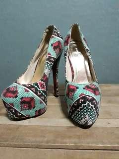 Rush!!! Primadonna heels (pumps) size 5!