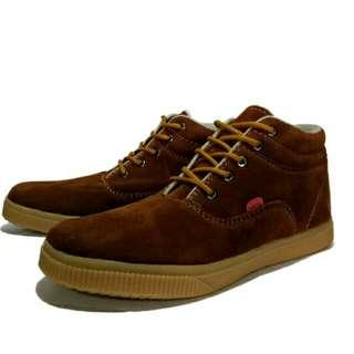 Sepatu kicker snie solegum