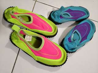 Swimming shoes