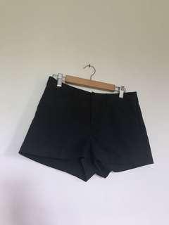 H&M Divided hw Black shorts