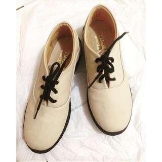 adorable creme boots