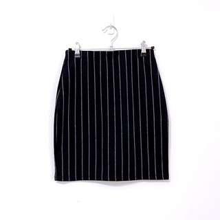 🚚 全新轉賣eyscream韓系彈性深藍直條紋中長版鉛筆裙窄裙
