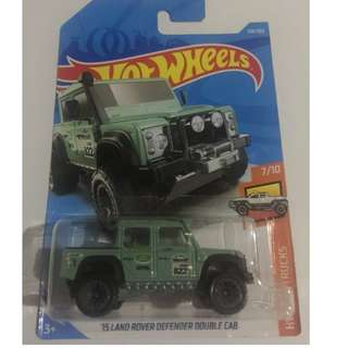 Hot Wheels '15 Land Rover Defender Double Cab