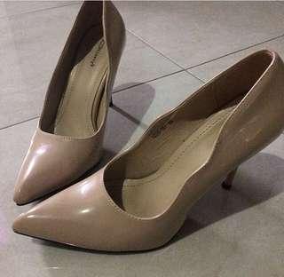 heels iconinety9