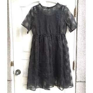 穿過一次/黑色歐根紗透視圓點短袖洋裝 附內搭