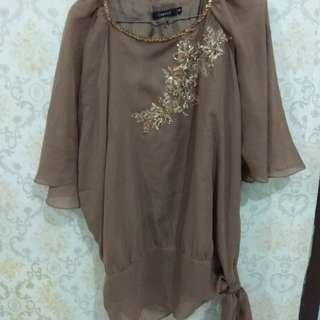Blouse hand free dust brown