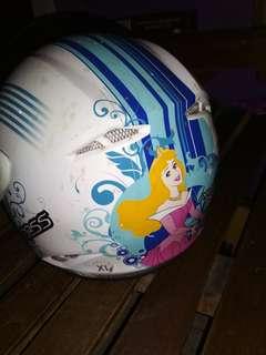 Helm motor anak