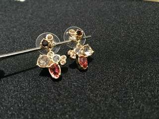 Banana Republic Earrings 閃石耳環