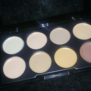 Concealer kiss beauty
