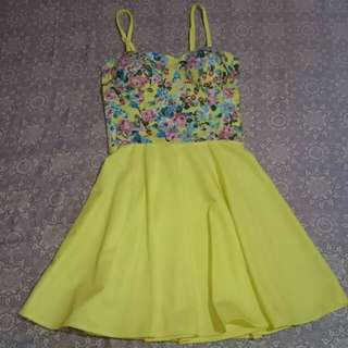 Corseted Yellow Sunny Dress