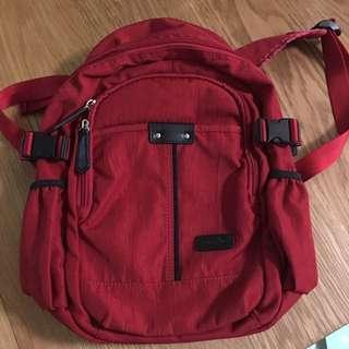 🚚 紅色後背包