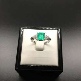Emerald w/diamonds platinum setting