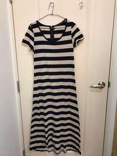 長板橫條洋裝