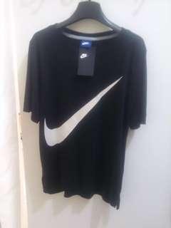 Nike全新銀色勾勾(含吊牌)