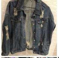 🚚 刷破牛仔外套 近新。超低價出售喔⋯⋯牛仔外套很少這麼便宜吧