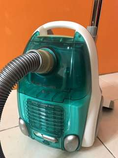 (Authentic) Electrolux bagless vacuum cleaner