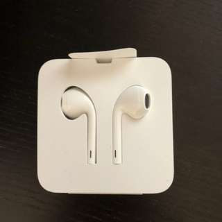 Apple Earpods with lightning connector (iphone8)