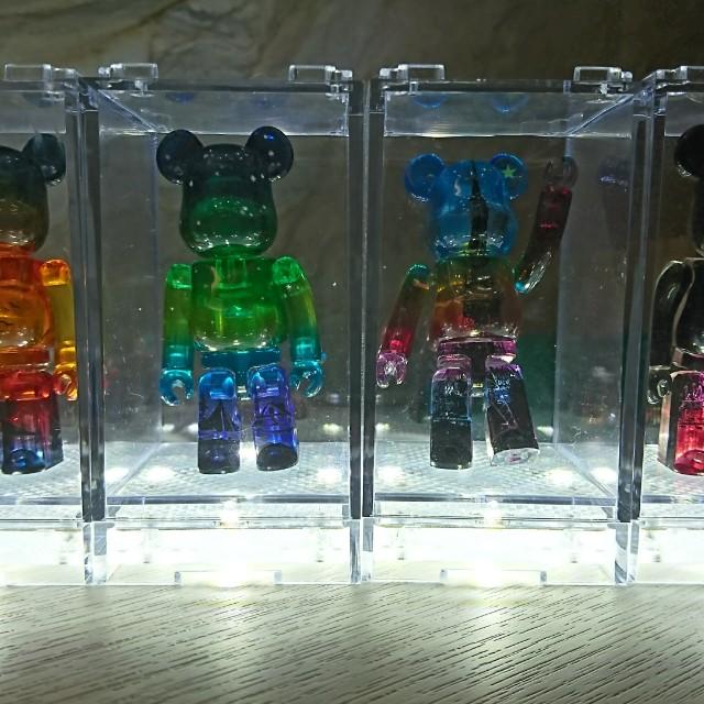 Bearbrick 100% 有燈膠盒