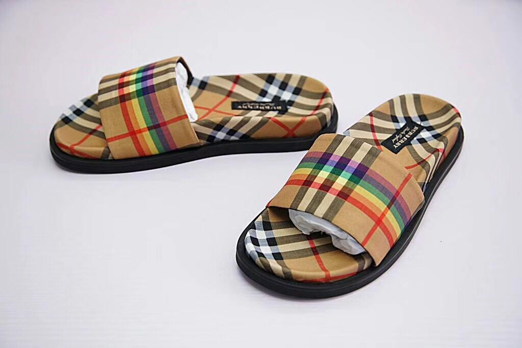 1e411016878 burberry rainbow vintage check slides