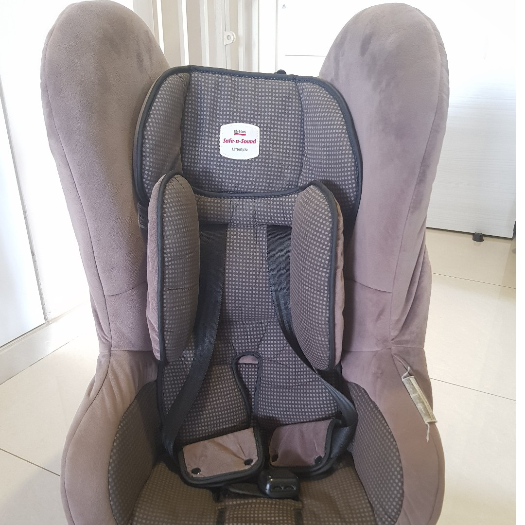 Car Seat - Britax Safe n Sound (Lifestyle Convertible) Price Reduced