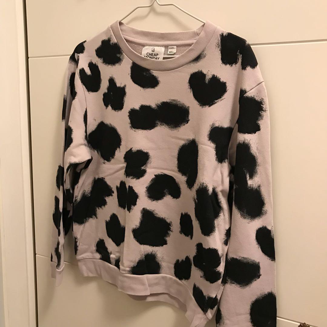 <Cheap Monday sweater >