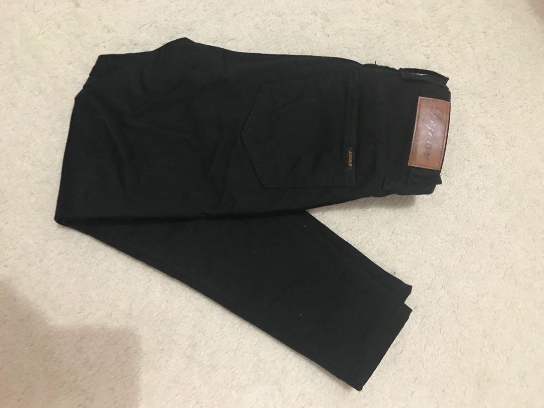 Dejour Black cropped jeans size 8