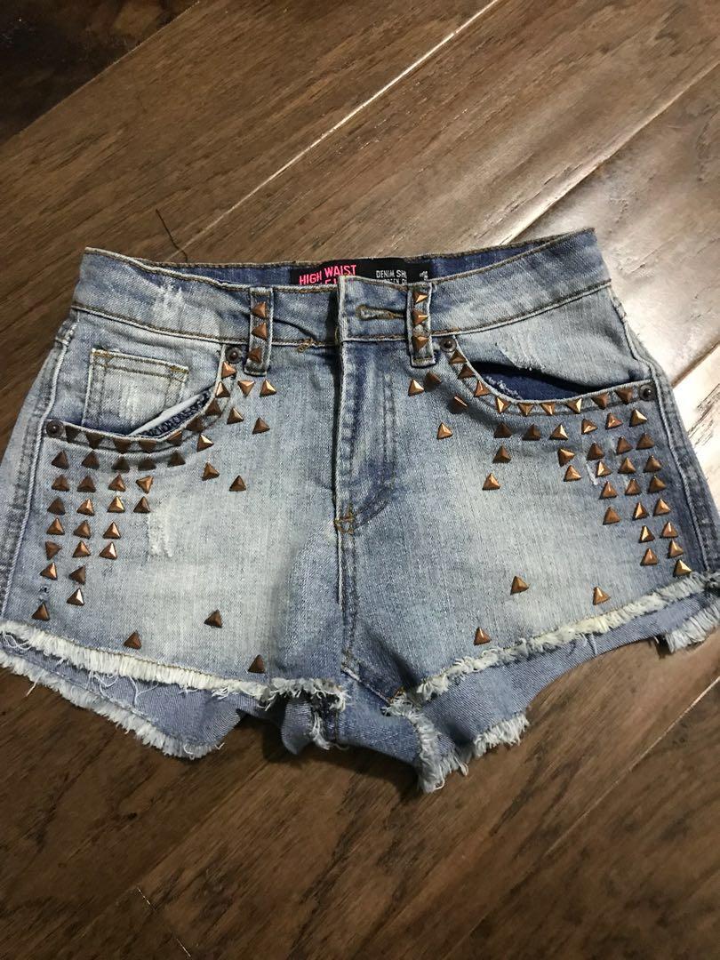 No Name highwaisted shorts w/ studs size 1