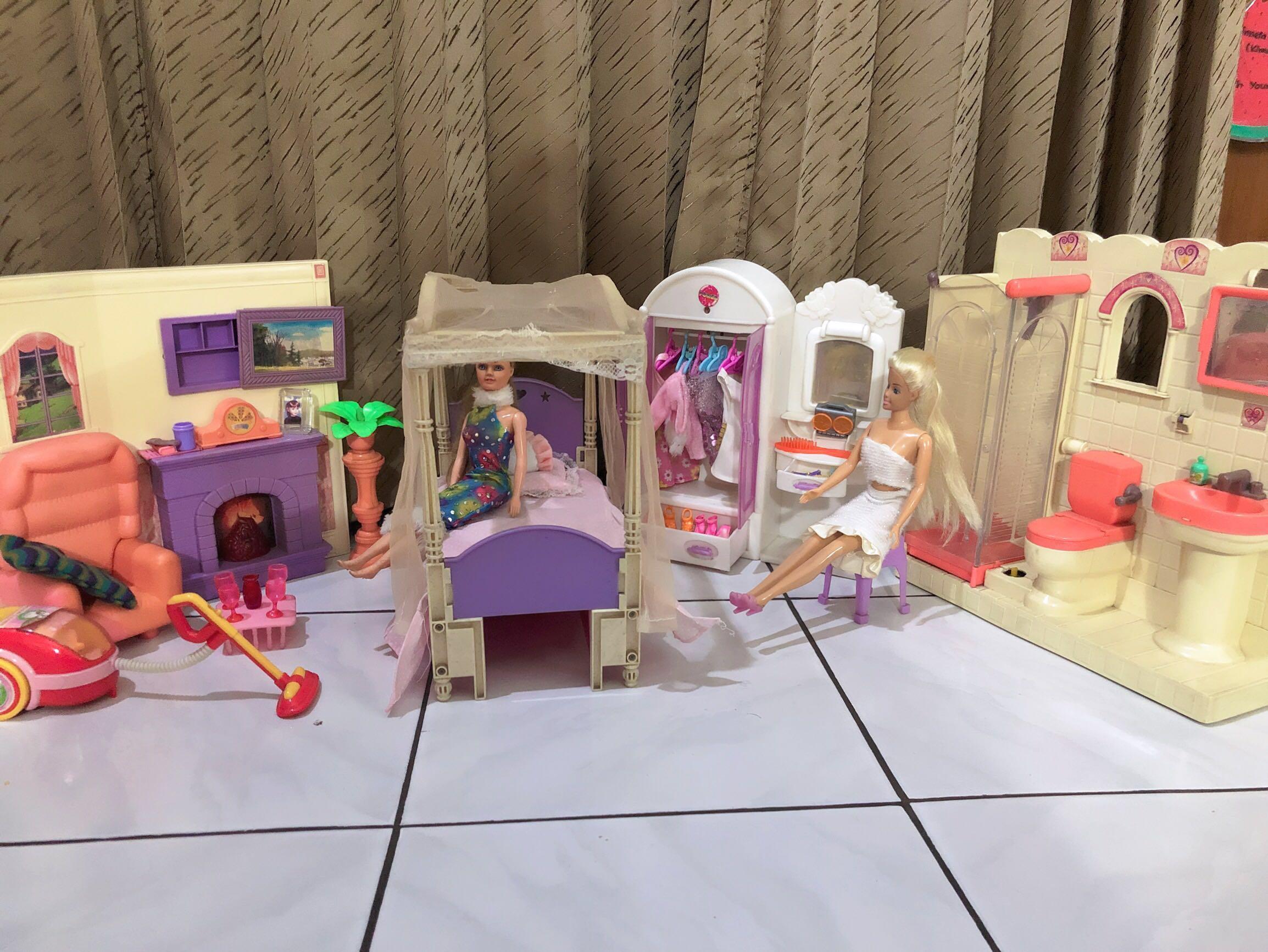 Satu Set Permainan Barbie Tempat Tidur R Mandi Ruang Tamu Lemari Baju 2 Boneka Free Ongkir Toys Collectibles On Carou