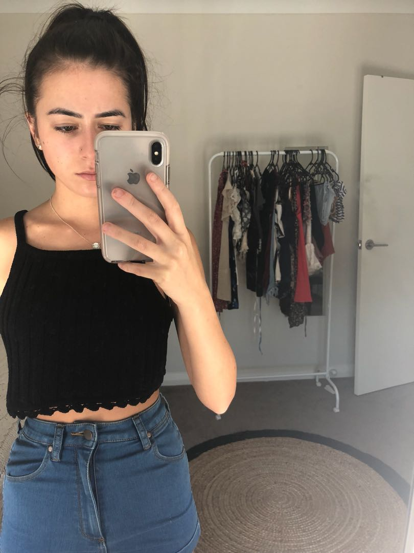 XS/6 Crop Top- Black