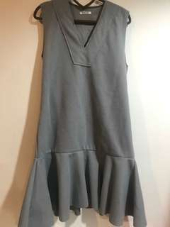 韓版 挺版鉛灰帶綠v領魚尾洋裝