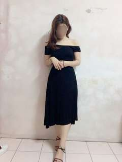 🚚 交叉平口彈性洋裝