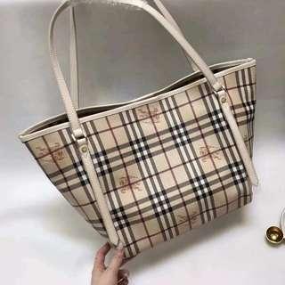 (PO) Burberry Handbag