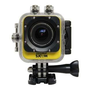 GoPro Hero Session                                                  Gopro-like Sjcam M10 yellow