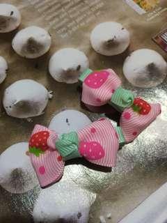 Hair clip pink strawberry (2pcs)