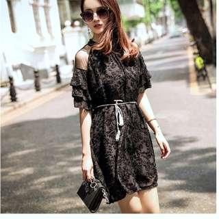 EE小舖~KT73326#氣質連衣裙透視肩層層荷葉袖修身A型裙印花釘珠短裙