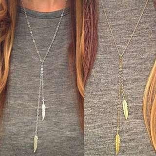 🎀 Feather Pendant Long Necklace
