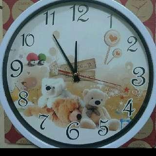 〈吊式〉時鐘