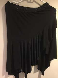 Black skirt with raffles